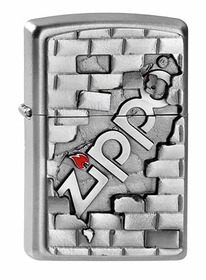 Zippo 2003963 Satin Chrome, The Wall Emblem